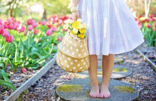 衣替えの季節、大切な衣服を虫食いから守るためにできる対策とは?